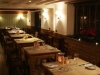 the-marquess-of-exeter-restaurant-side-to-kitchen-dec09